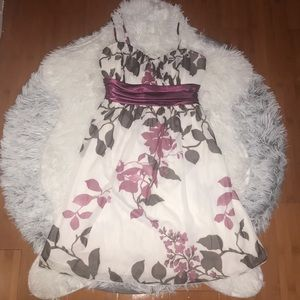 Dresses & Skirts - Floral Dress
